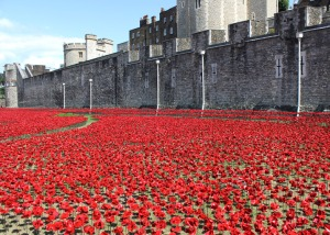 Blood-Swept-Lands-and-Seas-of-Red-poppies-installation-at-the-Tower-of-London_dezeen_784_0